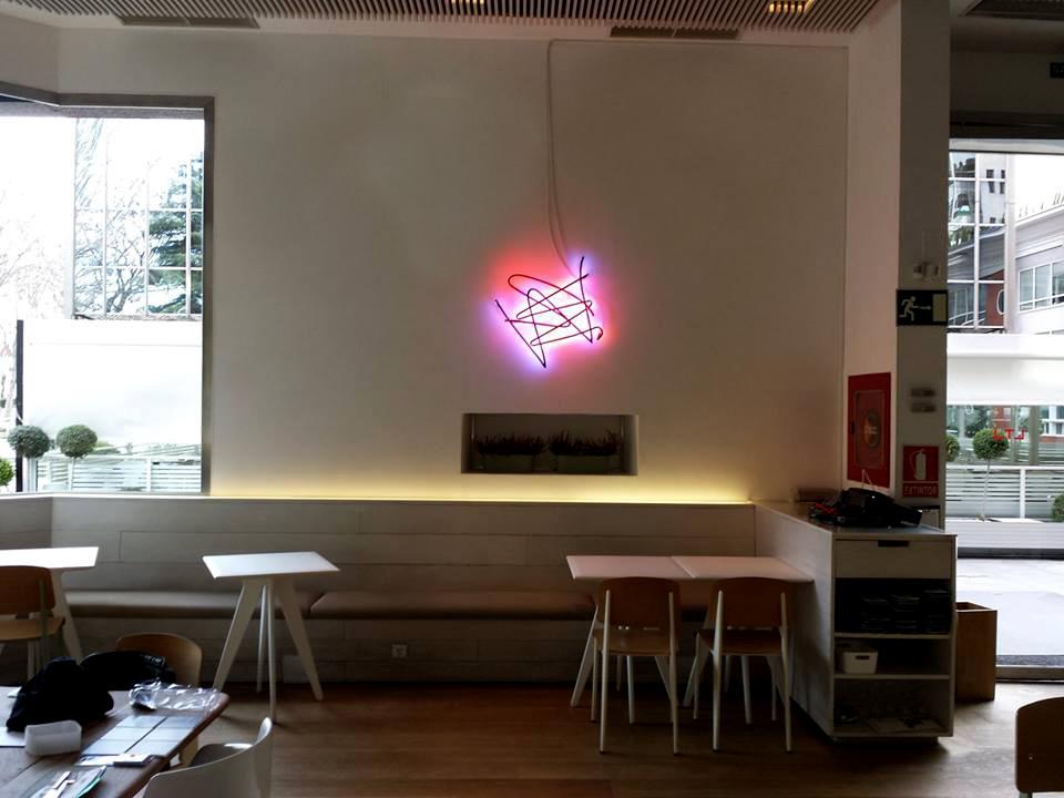 Fabricação de neon