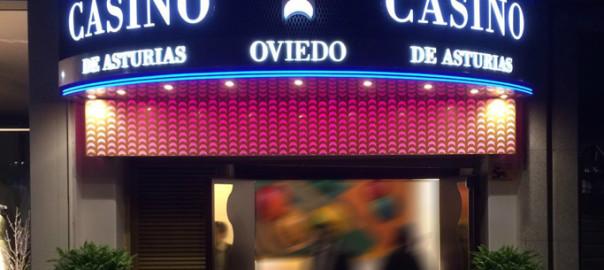 Rótulo luminoso en Casino de Oviedo