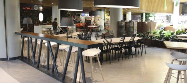 Mobiliario food court