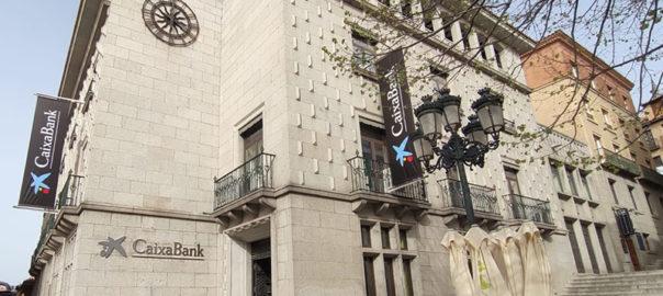 Rebranding de oficinas bancarias Caixabank